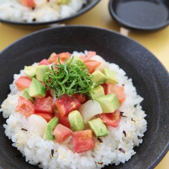 アメーラトマトとアボガドのちらし寿司