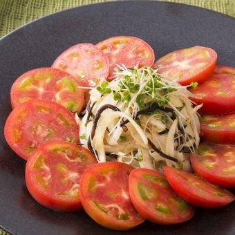 アメーラトマトとひじきと玉ねぎの和風サラダ