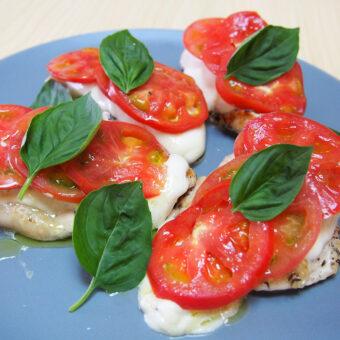 アメーラトマトとグリルチキンのカプレーゼ